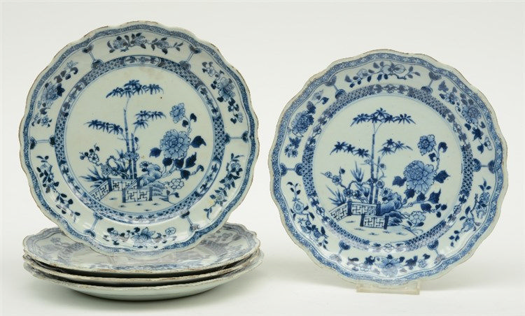 Five blue and white decorated Chinese porcelain dishes, 18thC, Diameter 23