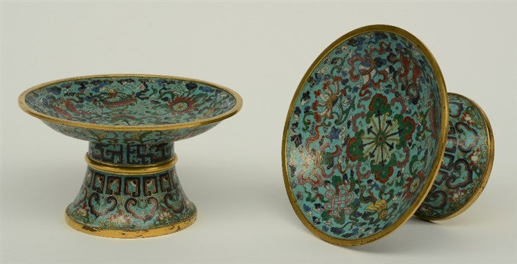 A pair of Chinese cloisonné fruit stands, marked Qianlong, H 10 - Diameter