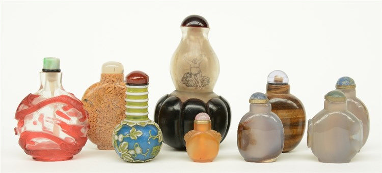 Nine Chinese snuff bottles, glas and semi-precious stones, 19thC and 20thC,