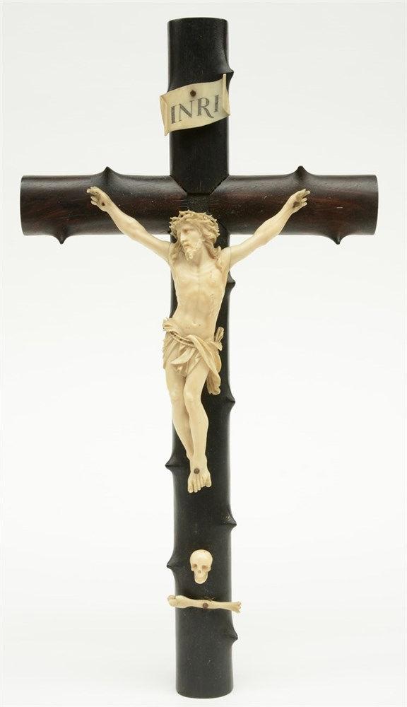 A crucifix with a 19thC ivory Corpus Christi,H 45,5 cm - corpus 23,5 cm