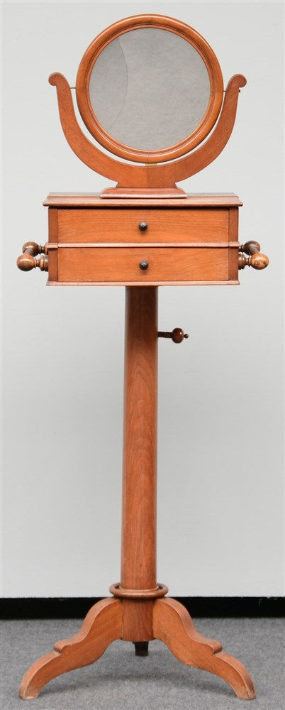 A mid-19thC swing mirror shaving stand, H 142,5 - W 51,5 - D 46,5 cm