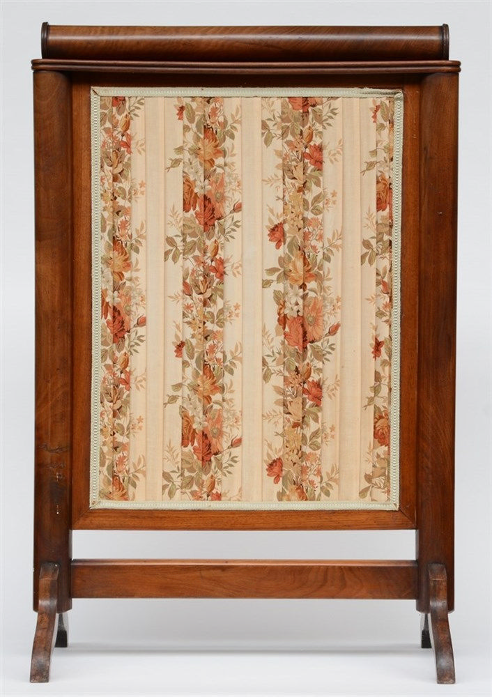 A mahogany mid-19thC fireplace screen, H 103,5 - W 69 cm