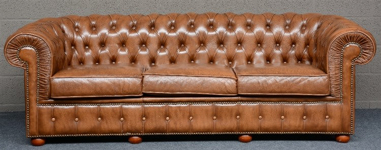 Chesterfield sofa with brown leather upholstering, H 71 - D 83 - L 215 cm
