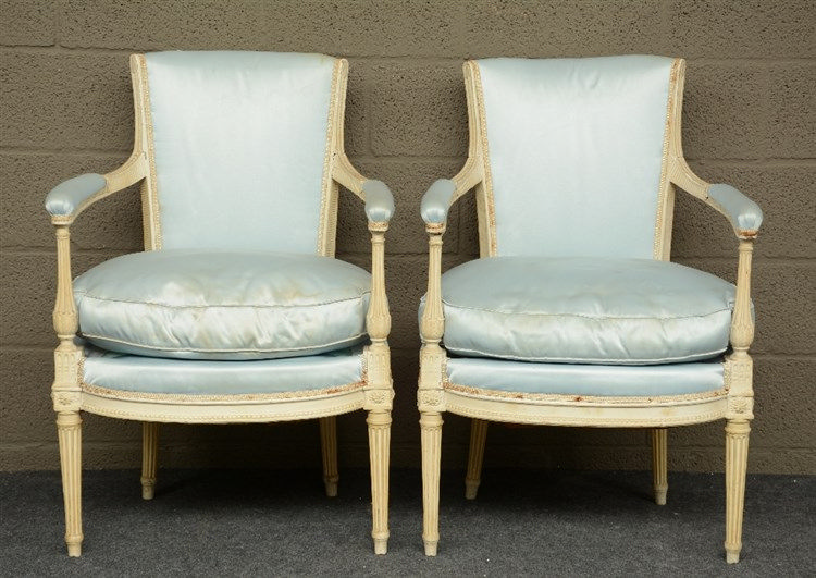 A pair of Neoclassical armchairs, 19thC, H 86,5 - W 60 - D 62 cm