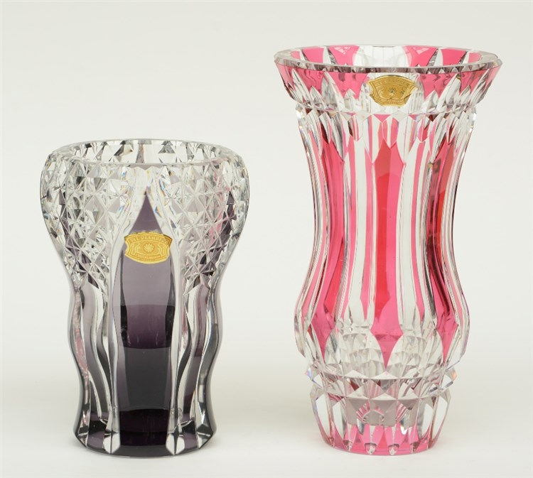 Two Val St. Lambert red and purple cut to clear crystal vases, H 22,5 - 30
