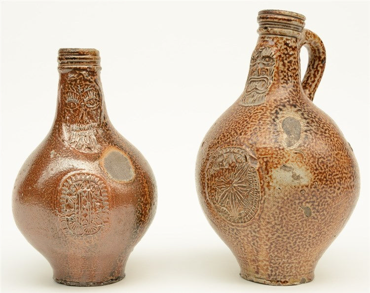 Two stoneware bellarmine jugs, both with a mascaron, Cologne & Frechen, lat