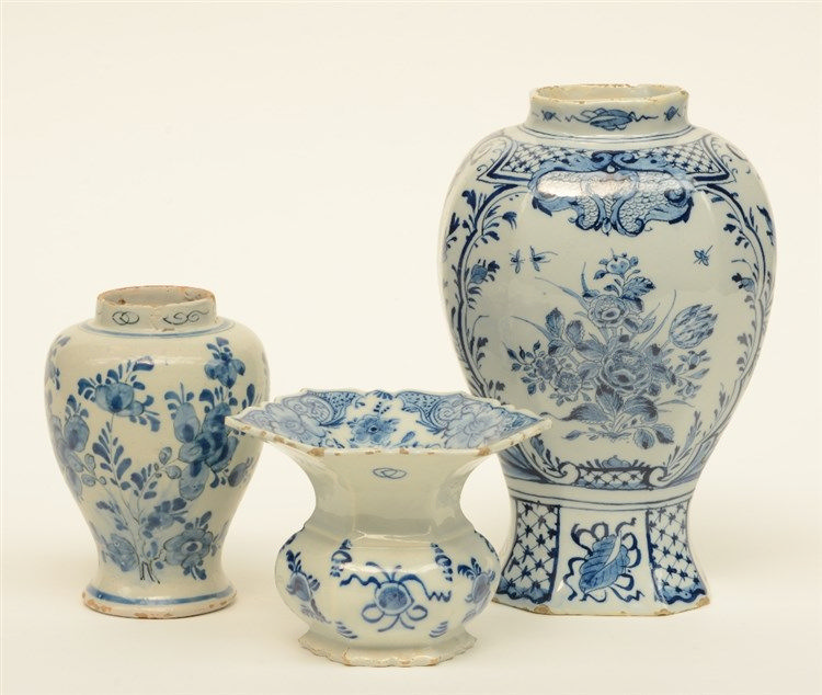 An 18thC blue and white decorated Dutch Delftware spittoon; added two dito
