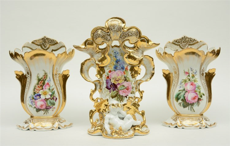 An imposing late 19thC Paris porcelain three part garniture, H 37,5 - 44 cm