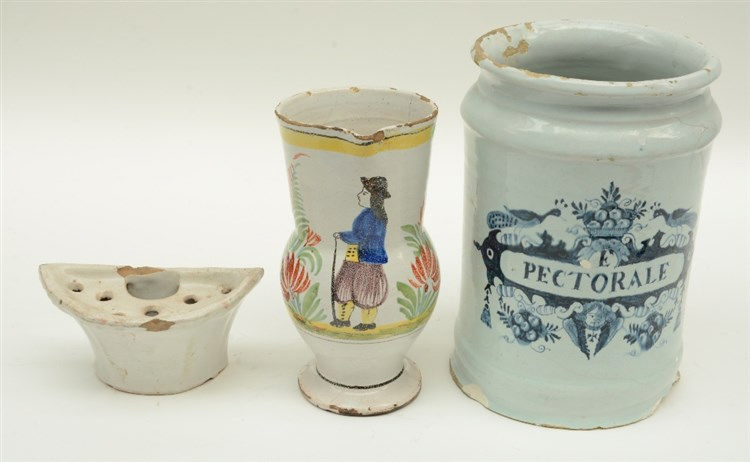 A late 17thC tin glazed and blue and white French apothecarys' jar (chips -