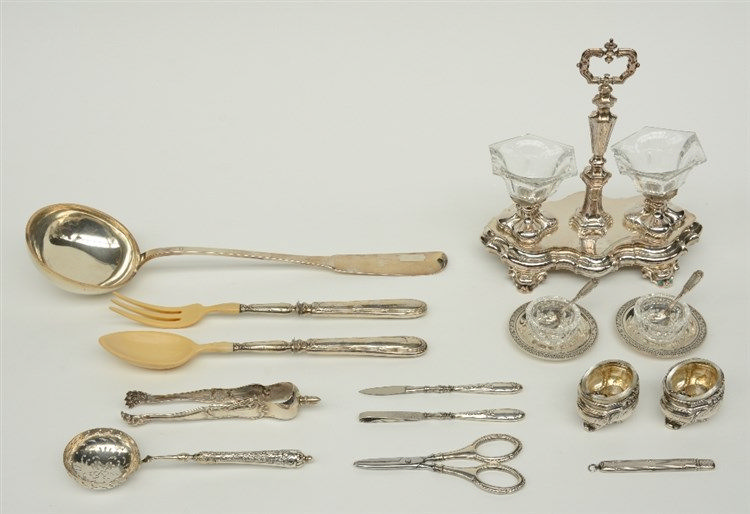 A lot of various silver items, mostly 19thC, Weight: ca. 700 g