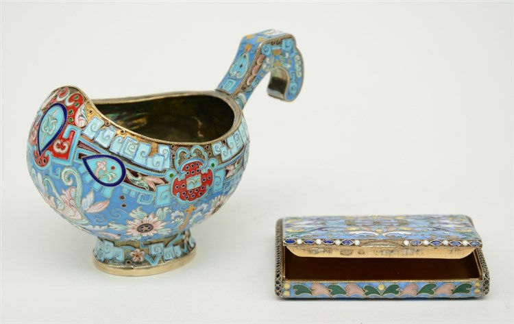 A Russian silver and cloisonné enameled kovsh, 84 zolotniki (875/000), 19th