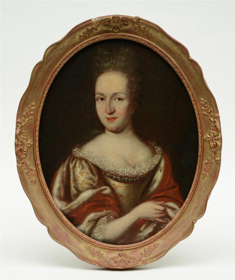 Unsigned, portrait of a noble lady, late 17th - early18thC, oil on canvas o