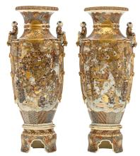 A fine pair of Japanese Satsuma and relief decorated vases on ditto soccles, late Edo period, H 93 (without soccle) - 113 cm (with soccle)