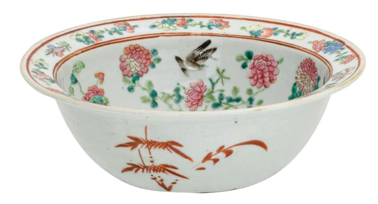 A Chinese famille rose bowl, decorated with flower branches, birds and water lilies, 19thC, H 9,5 - ø 29,5 cm