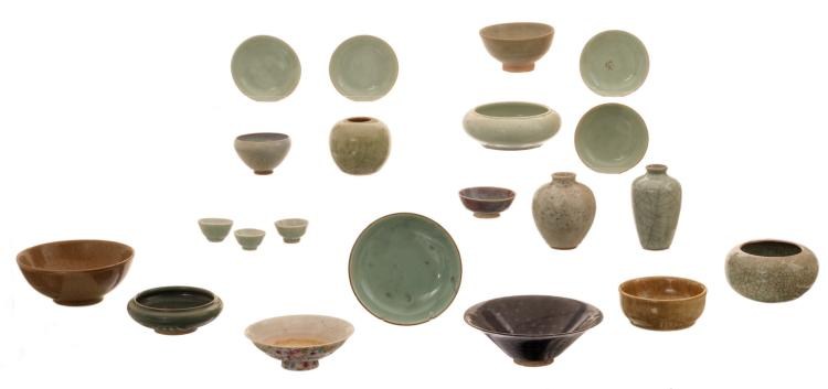 A various of Chinese celadon and crackleware porcelain and stoneware vases, plates and cups, two plates flambé decorated, some plates marked; added a ditto temmoku bowl and a millefleurs decorated footed bowl, with a Qianlong mark, H 3 - 12 - ø 5 - 18 cm