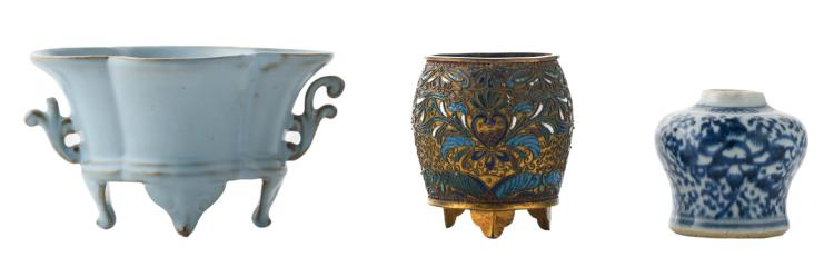 A Chinese pale blue glazed footed brush washer; added a Chinese blue and white decorated miniature Meiping vase; extra added a Chinese filigree enamel gilt brass vase, H 6 - 7,5 cm