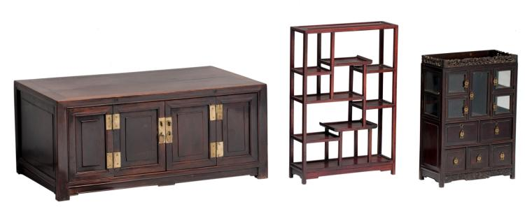 A Chinese chest and cabinet with bronze mounts; added a ditto rack, the chest H 41,5 - W 94 - D 58,5, the cabinet H 54 - W 37,5 - D 17,5, the rack H 66 - W 44,5 - D 14 cm