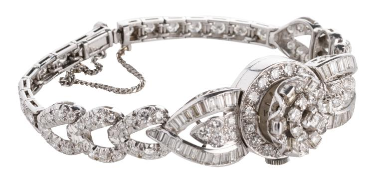 A platina ladies wristwatch set with brilliant and baguette cut diamonds, the watch itself of the UK Accurist mark, wrist width about 15,5 cm - Total weight: about 39,4 g