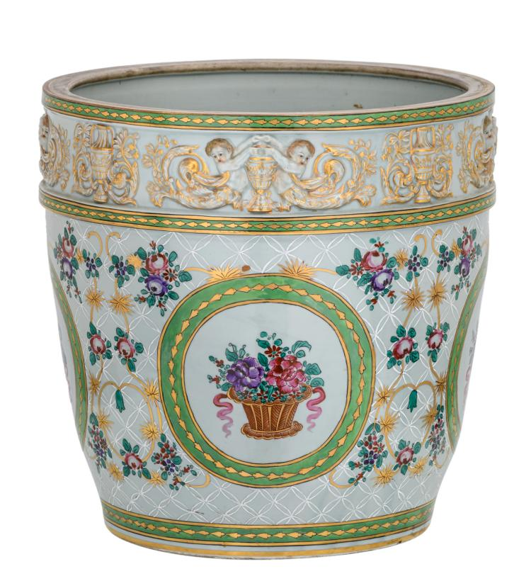 A polychrome decorated jardiniere with a chinoiserie and at the top a Neoclassical frieze,H 37,5 - ø 38 cm