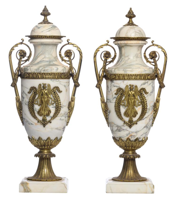 A pair of Neoclassical marble gilt bronze mounted cassolettes, H 62,5 cm