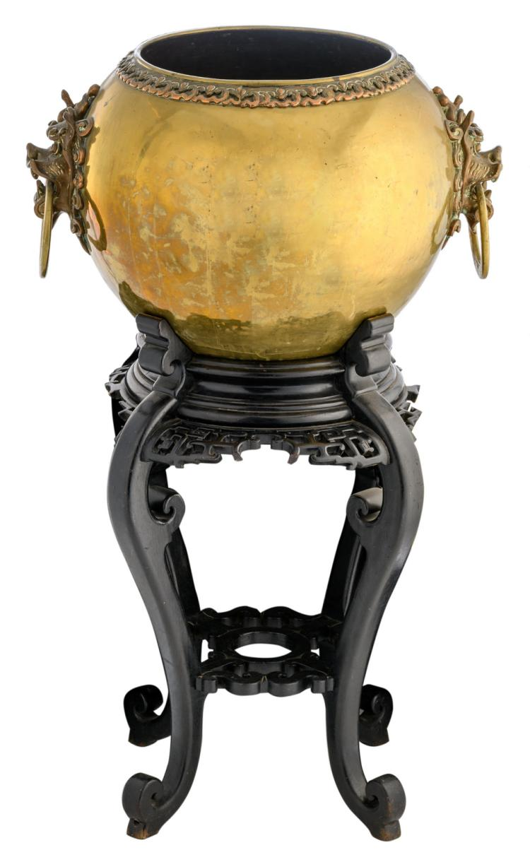 A late 19thC Oriental brass jardiniere on a matching ebonised wooden base, H 37 (without base) - 102 cm (with base)
