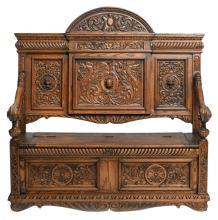 An oak Renaissance revival coffer bench seat,H 141,5 - W 141,5 - D 68 cm