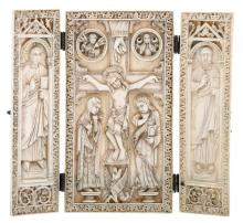 A small ivory altar tryptich in the Byzantine manner, the central panel depicting the Golgotha and other various Christian symbols, the left panel depicting Jesus as the instructor of faith, the right panel depicting Saint Peter, silver hinges, 19thC, 9,7 x 18,2 (closed) - 18,2 x 20,4 cm (opened)