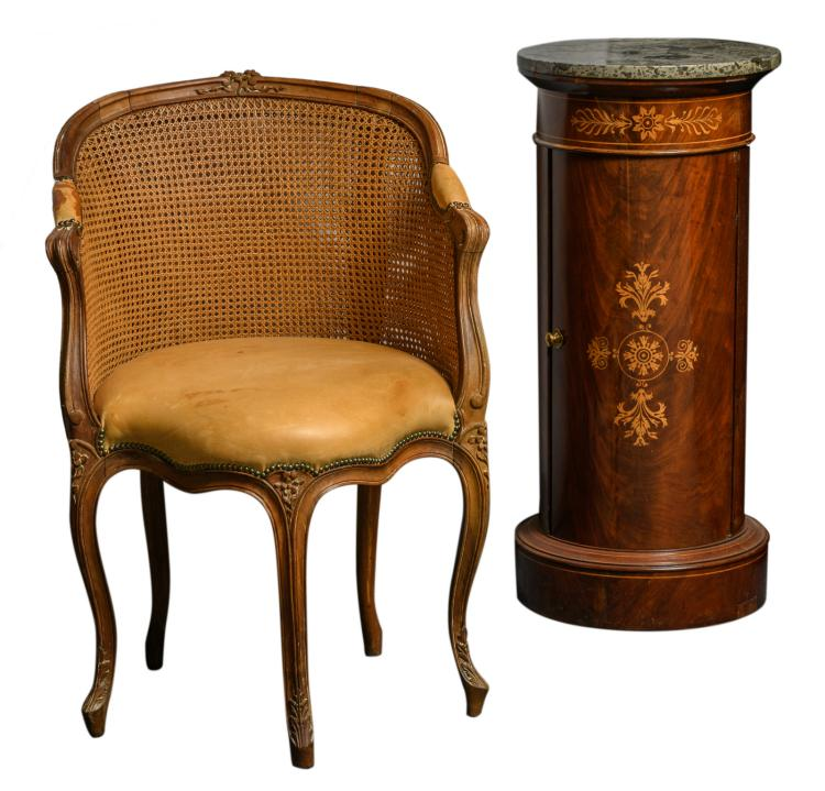 A caned and leather upholstered walnut Rococo style chair; added a round 19thC mahogany night table with marquetry and St.-Anna marble top, H 88 - W 61 - D 50 -ø 40,5 cm