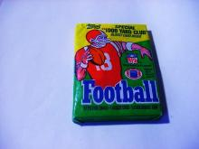 N F L  UNOPENED FOOTBALL CARD WAX PACK