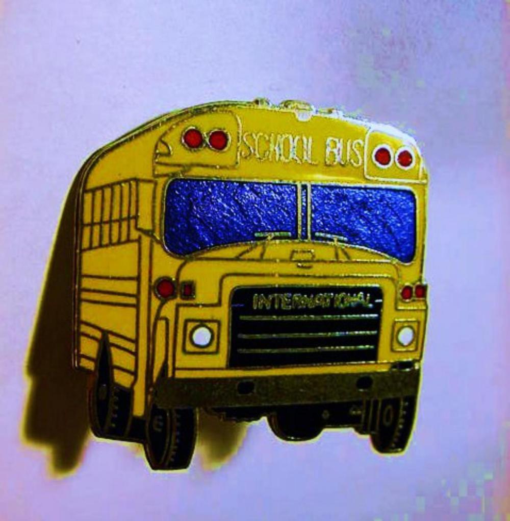 VINTAGE ENAMEL SCHOOL BUS PIN