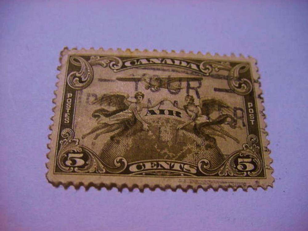 EARLY CANADA AIRMAIL STAMP