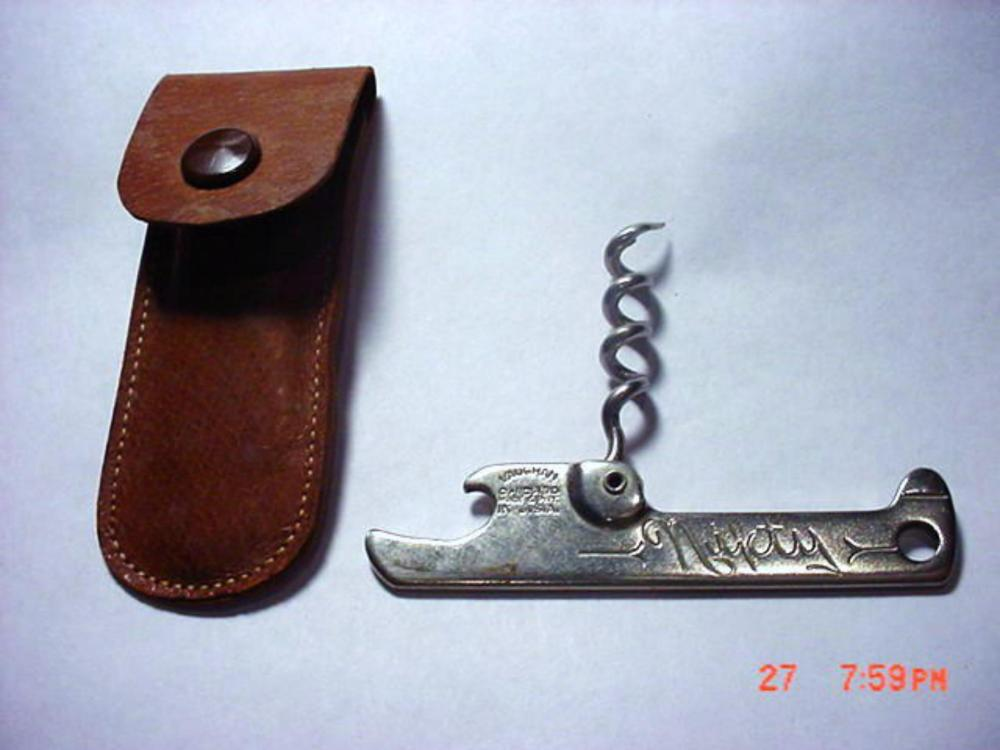 VINTAGE  NIFTY /  VAUGHAN  CHICAGO MADE IN U.S.A.  CORK  SCREW ORIGINAL REAL  LEATHER CASE MADE IN ENGLAND