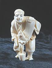 Old Ivory  Netsuke Man w/Fish net