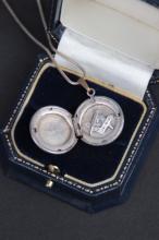 Collier en argent avec pendentif