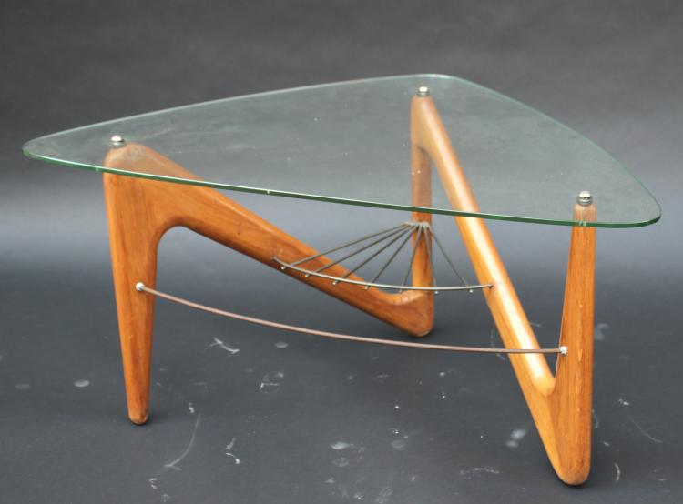 Louis sognot 1892 1970 table basse pi tement en acajou t for Table triangulaire