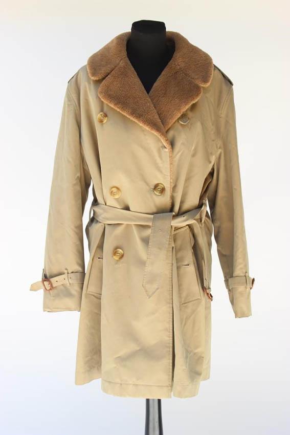BURBERRY Trench coat beige fourré en alpaga fermant par trois boutons et une ceinture