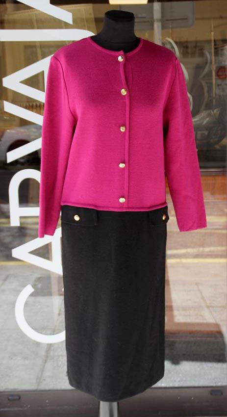 Nina RICCI Robe en laine noire et mauve