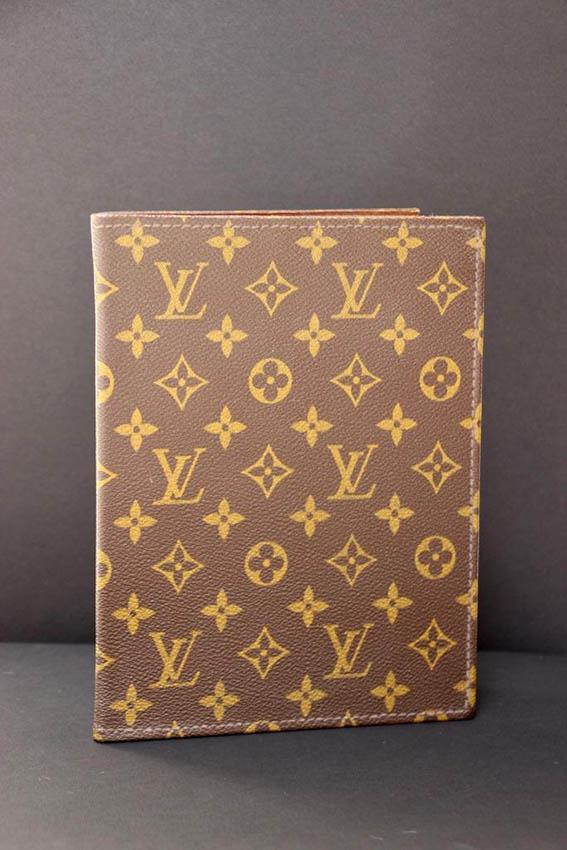 Louis VUITTON Porte agenda en toile monogram