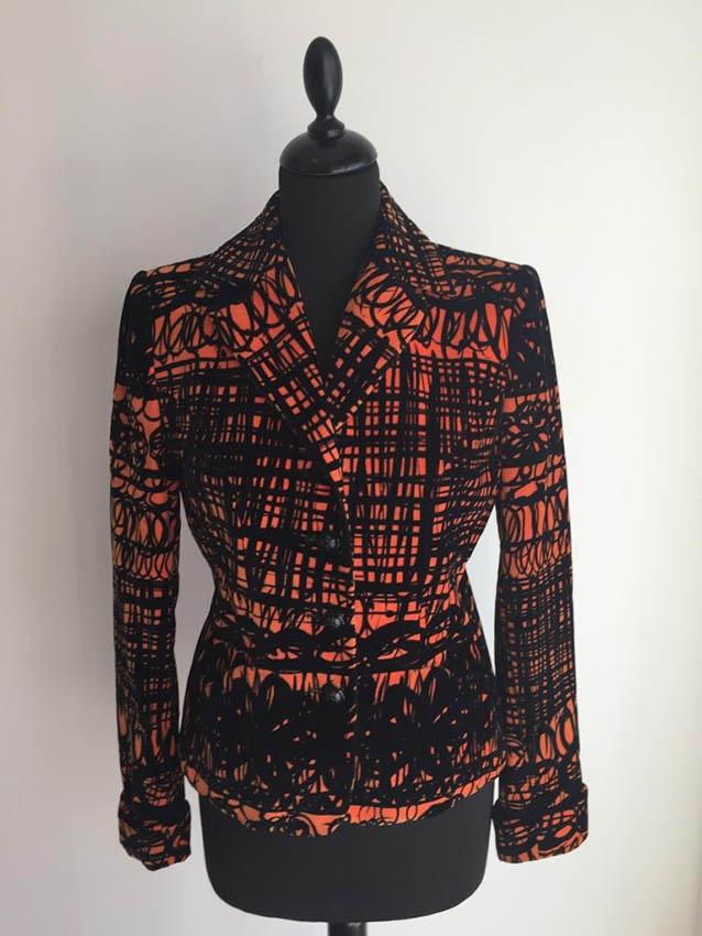 MOSCHINO Veste en velours noir et orange,