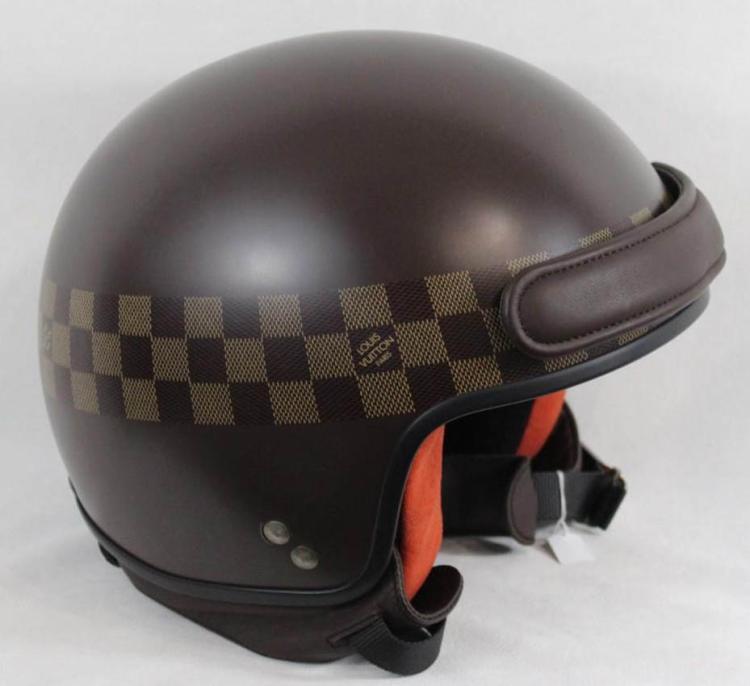 LOUIS VUITTON Casque de moto pour femme