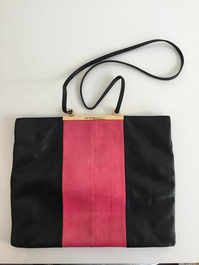 EMPORIO ARMANI Made in Italy Sac en cuir souple noir , bande