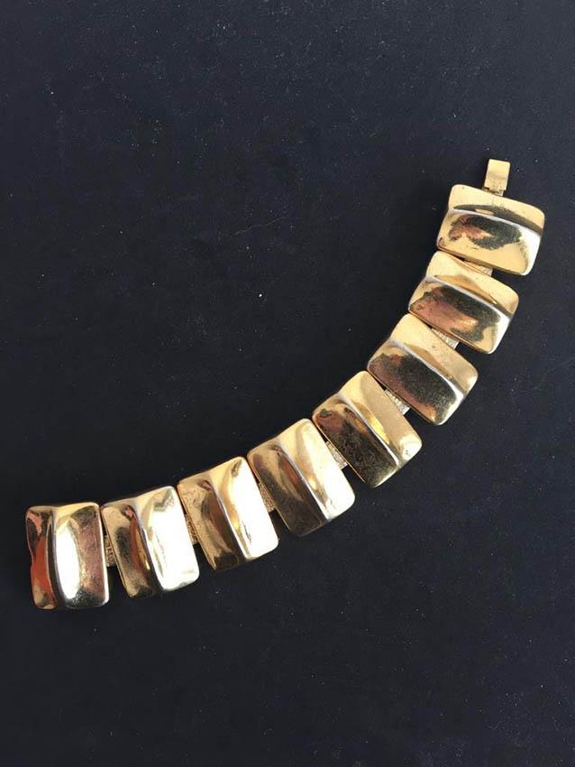 YVES SAINT LAURENT Bracelet articulé , composé de