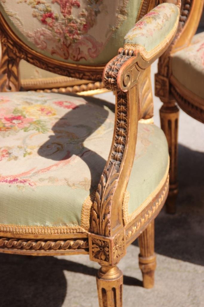 Salon compos d 39 un canap et de quatre fauteuils en bois scu - Canape cuir et bois rustique ...