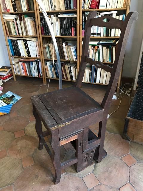Escabeau de biblioth que se transformant en chaise for Chaise escabeau