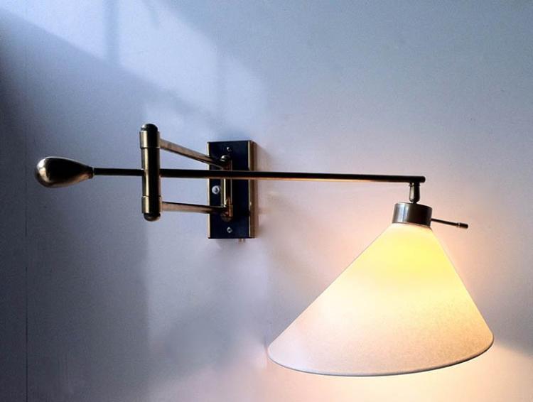 travail fran ais vers 1955 applique mobile r flecteur en p. Black Bedroom Furniture Sets. Home Design Ideas