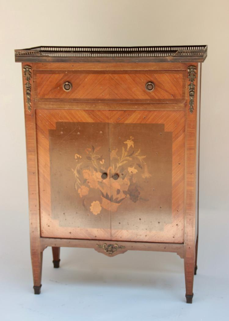 Petit meuble en bois de placage d cor de marqueterie de fl for Petit meuble bois brut