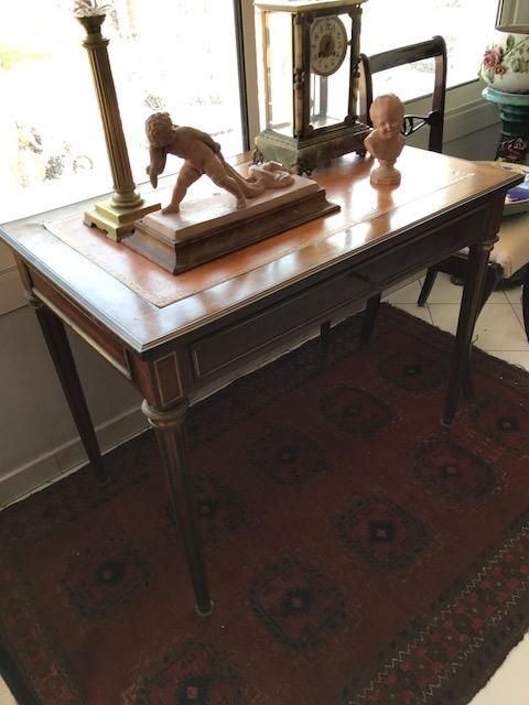 Petit bureau plat en bois de placage ouvrant par un tiroir e - Petit bureau bois ...