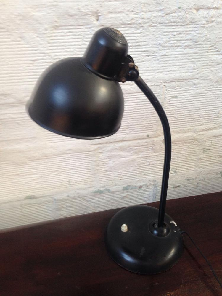 Christian DELL (1893-1974) - vers 1925 (KAISER )   Lampe en métal laqué noir