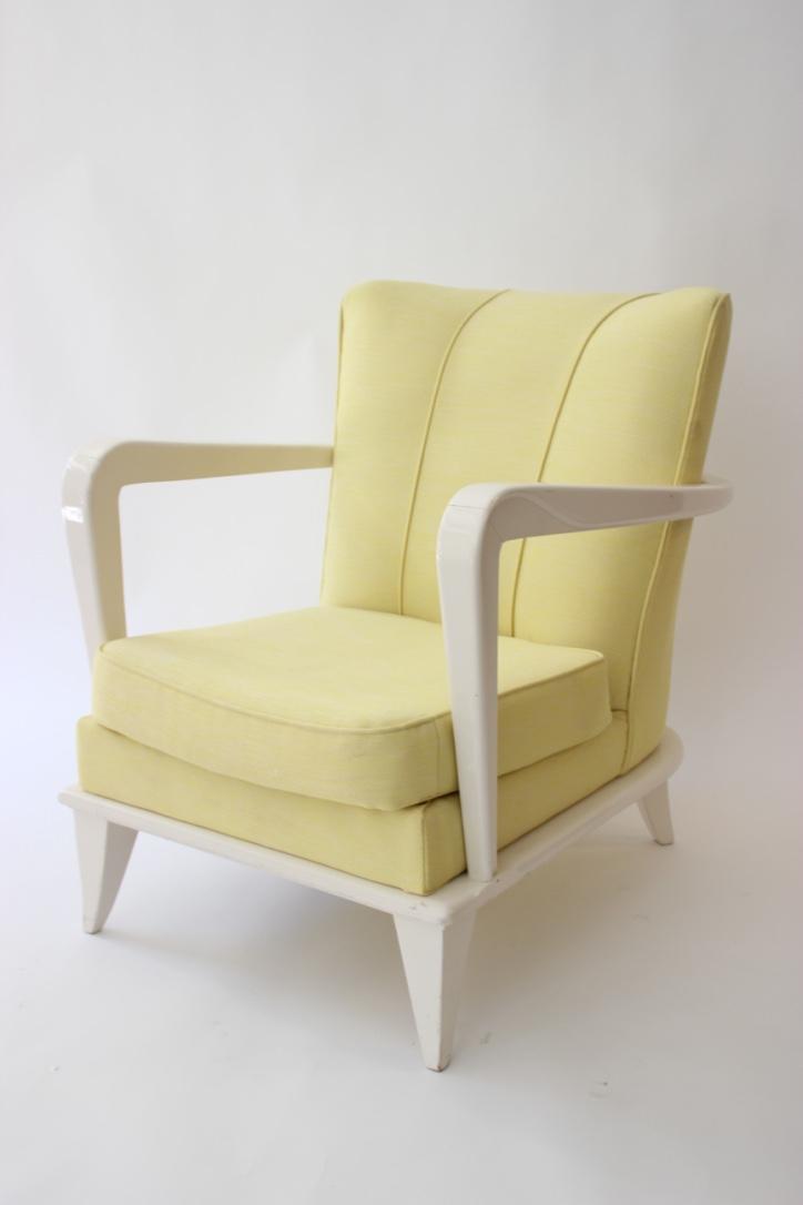 Etienne-Henri MARTIN (1905-1998) - Années 1940  Fauteuil en bois laqué blanc et garniture en tissu Quadra jaune