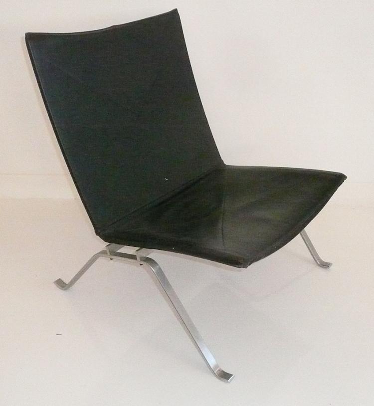 Poul KJAERHOLM (1929-1980) - Edition Fritz Hansen 1955   Fauteuil modèle PK 22 en métal et cuir